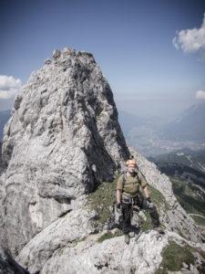 Pikku kumpu Alpspitzin vieressä